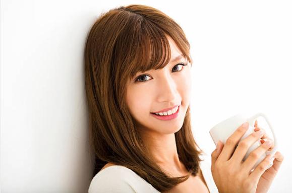 笑顔 女性 日本人のストックフォト_-_iStock