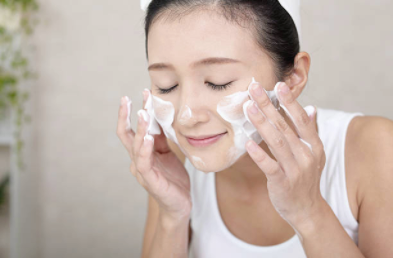洗顔 日本人のストックフォト_-_iStock