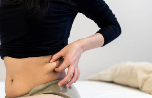 日本人 女性 太っている お腹のストックフォト_-_iStock